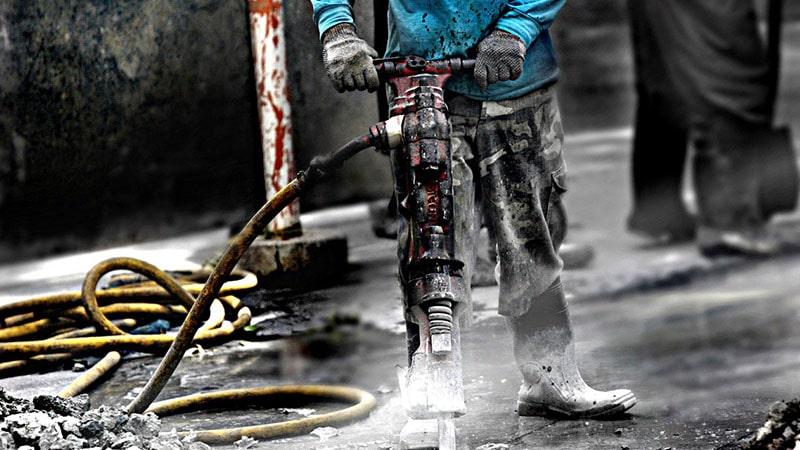 رابطه ی شغل افراد و در معرض صدمات ناشی از نویز قرار گرفتن