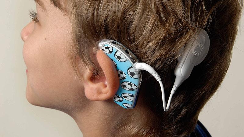 نتیجه تصویری برای «کاشت حلزون» یا سمعک شنوایی؛ کدام بهتر است؟